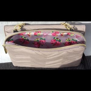 Betsy Johnson Quilted Zig Zag purse w/heart mirror